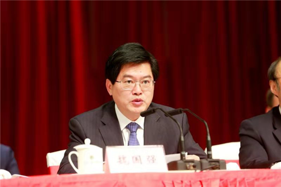 江苏省人大常委会副主任、江苏省总工会主席魏国强发表致辞