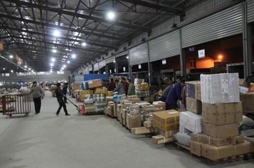 记者咨询了苏城多家快递企业,都表示目前还没有收到总部关于调价的通知,也有快递公司表示,不排除调价的可能。