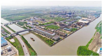 江苏东沙化工园全貌。 资料图片