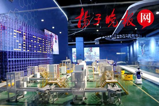 苏州机器人展示体验中心内的工业4.0沙盘