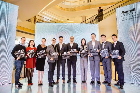 万豪国际集团华东及苏杭区运营及市场负责人与苏州区域集团旗下酒店总经理为活动揭幕