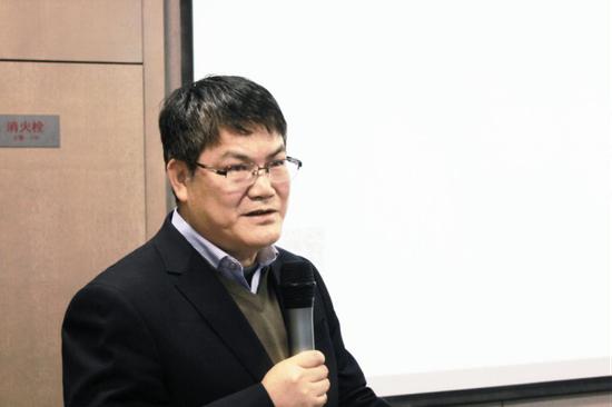 苏州工业园区经济发展委员会调研员、企业发展局局长黄建明先生开场致辞