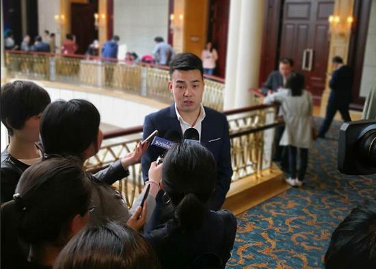 苏州西风阁电子商务CEO权辉接受媒体采访