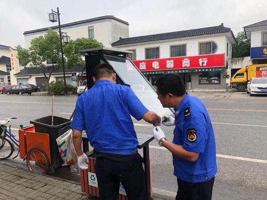 苏州吴中城管用高科技点亮户外广告管理新智慧