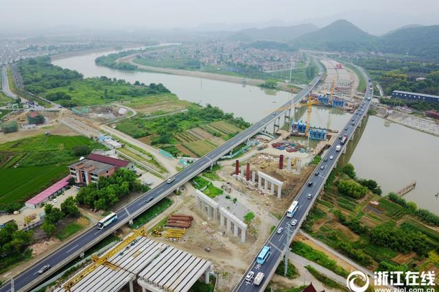 中秋遇上国庆 高速公路将免费通行8天