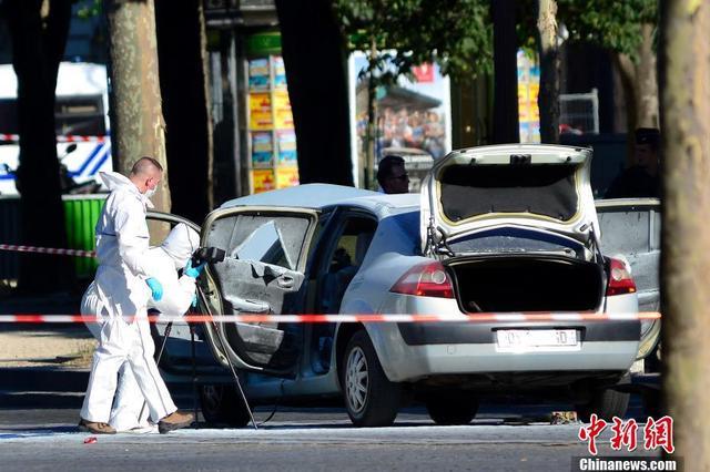 无证燃气代充点藏身小区 96只燃气罐被当场查扣