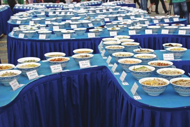 """苏式面获""""世界上浇头种类最多的原汤面""""认证"""