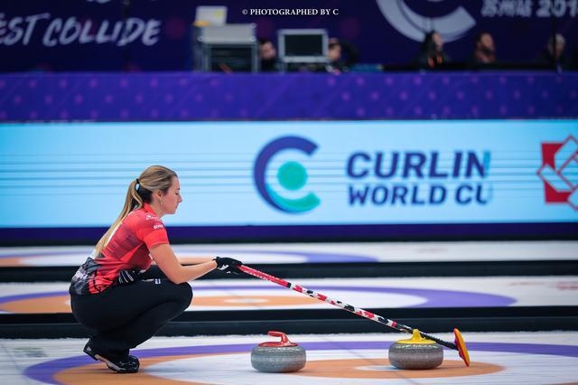 加拿大选手在比赛中。
