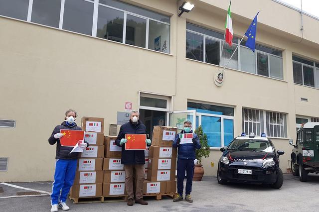 来自苏州相城的58000只防疫口罩顺利抵达意大利雷卡纳蒂市