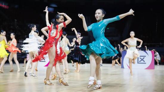 黑池舞蹈节(中国)青少年组比赛现场