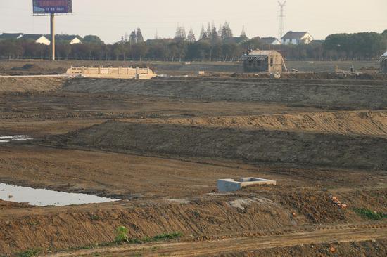相城区正在进行标准化池塘改造