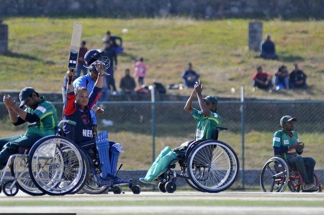 """昆山5名脊髓损伤者—— 轮椅上""""跑""""完马拉松"""