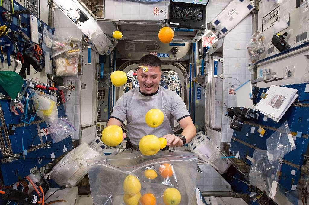 """""""太空外卖""""有宫保鸡丁 看宇航员在天上都吃点啥?"""