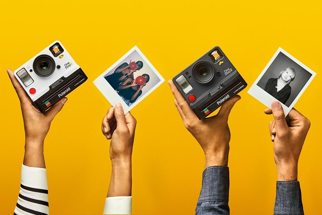 宝丽来发布打印机 可翻拍打印手机照片