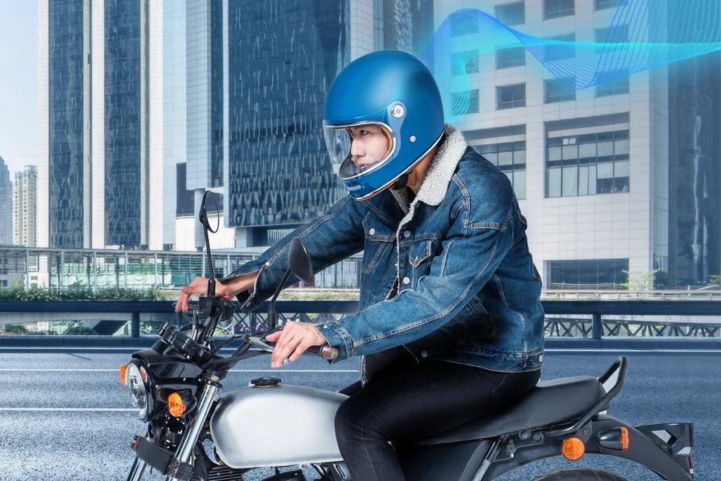 自带空气净化器的安全头盔 骑行撒野更安心