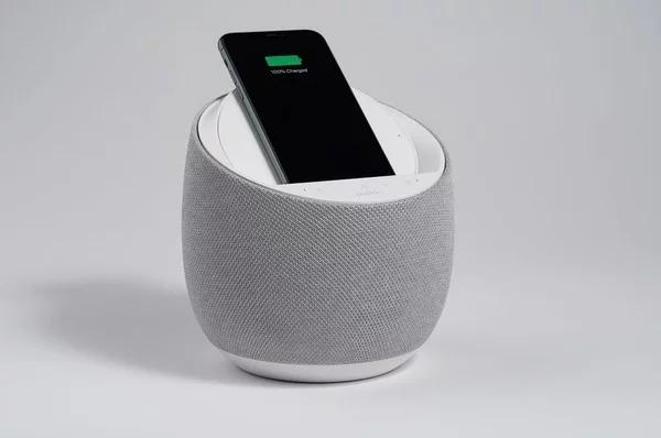 CES 2020:贝尔金推出带无线充电器扬声器