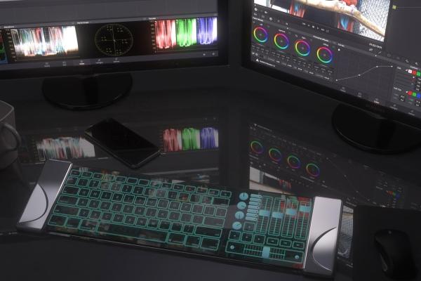 帅到没朋友 来自未来的玻璃键盘科技感爆棚