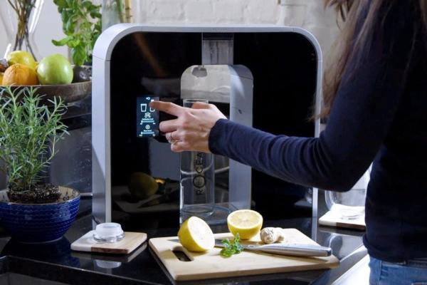 拒绝塑料瓶装水 黑科技解锁喝水新姿势