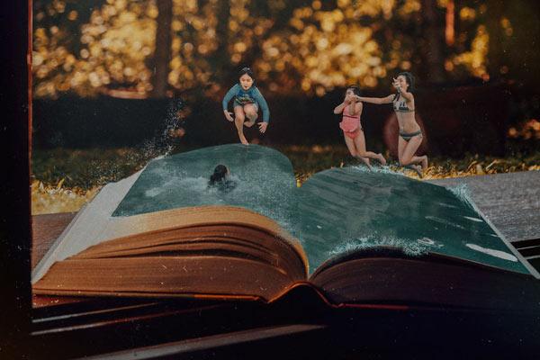 以书为载体的创意世界 翻开视觉的崭新篇章