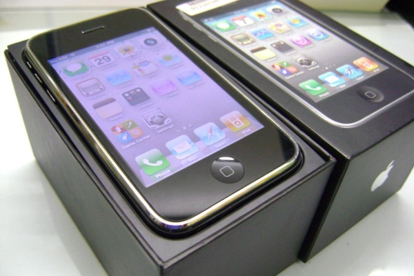 iPhone 3GS重新上架发售:260元