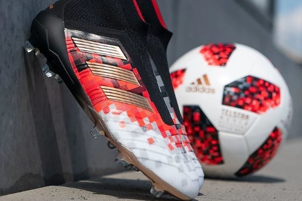 阿迪达斯推出世界杯特别版球鞋