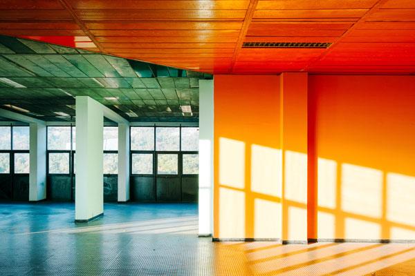色彩与环境的完美把控 城市空间中的视觉盛宴