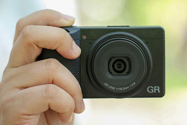 经典街拍机型的传承 理光GR3外观图赏