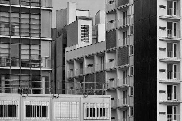 贯穿于现实的街头几何 精致线条拼凑当代建筑乐章