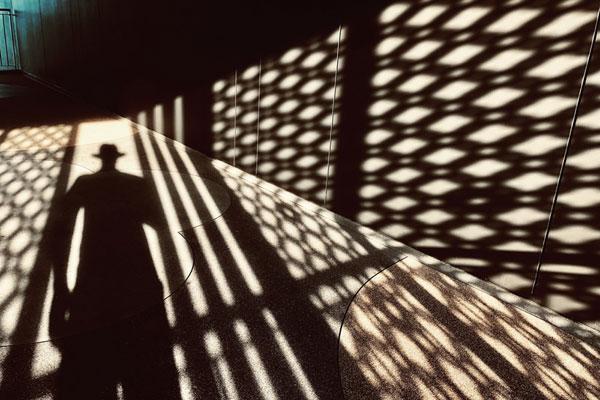 玩转光与影的奥妙 诠释色彩与空间的视觉力量