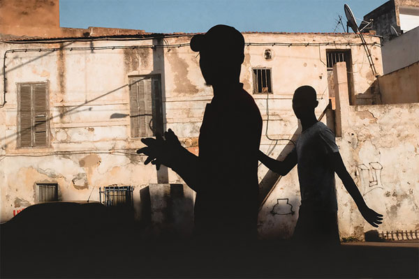 发现城市空间中的巧妙 影子是摄影师的好朋友