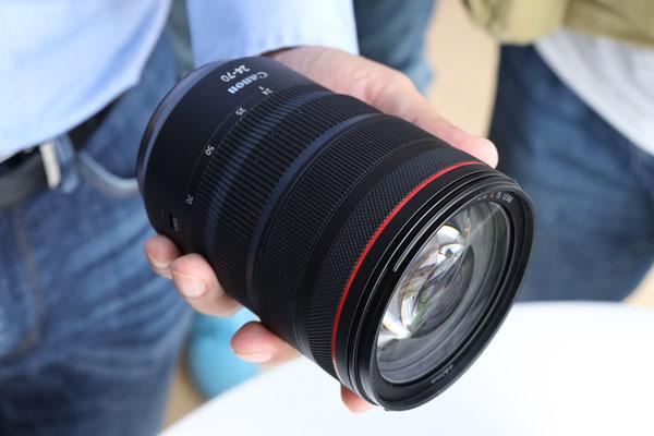 佳能RF 24-70mm F2.8L IS USM镜头实拍外观