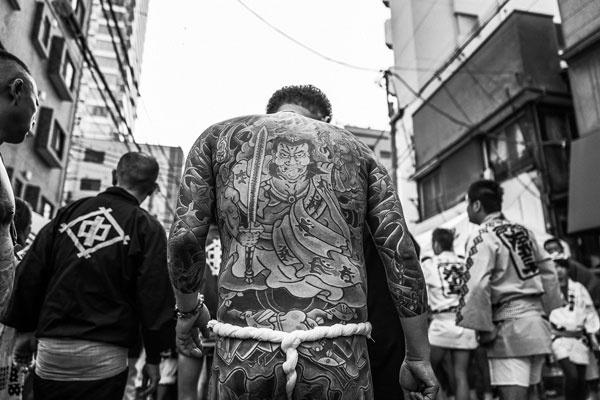 暗黑风的日本街头 浩大城市下的各异身影
