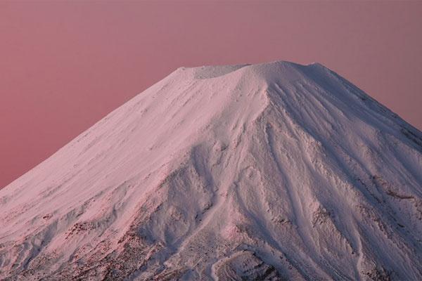 新西兰的冬日滑雪场 猎取自然的雪原美景