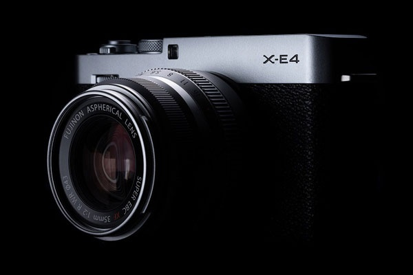 轻便小巧和复古的完美融合 富士X-E4官方外观图赏