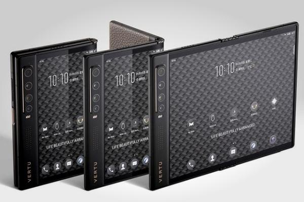 Vertu发布折叠屏手机:向外折叠屏幕 售价4.58万