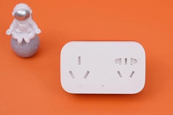 米家空调伴侣Pro图赏:双三口插座 支持红外、网关