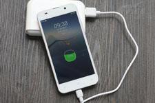 手机太耗电?科学家研发新材料可一周充一次电