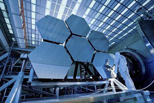 """NASA的""""时间机器"""":詹姆斯-韦伯太空望远镜"""