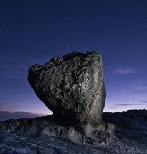 气候变化致超级风暴:足以举起巨石