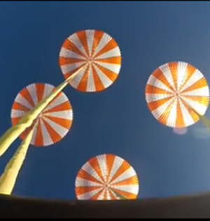 SpaceX载人太空飞船降落伞测试
