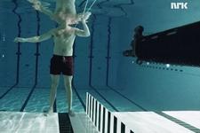 水下向自己开枪会怎样?子弹前进难超2米(图)