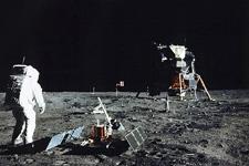 科学家批阴谋论:若登月是假的4年内就会揭穿