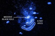 """黑洞也会""""打嗝""""!吞食气体同时消耗能量"""