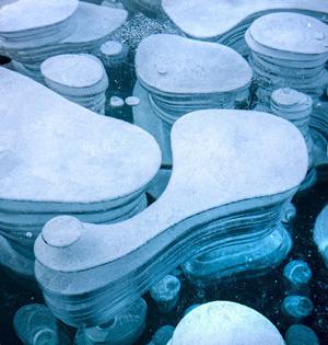 加亚伯拉罕湖冰封气泡绚丽多彩