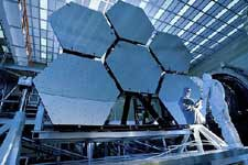 """韦伯太空望远镜将建成 可""""穿越时间""""看到过去"""