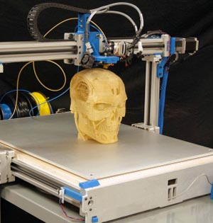 男子植入3D打印椎骨获新生