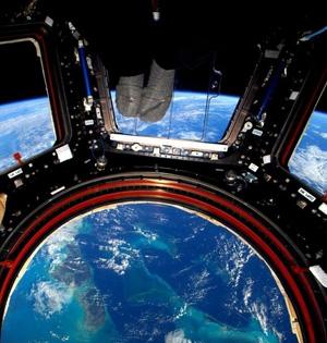 宇航员太空生活一年记录宇宙影像