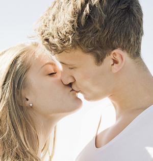接吻为何闭眼?无法同时处理视触觉