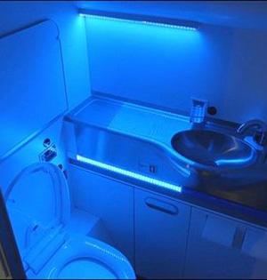 飞机洗手间紫外光杀99.9%病原体