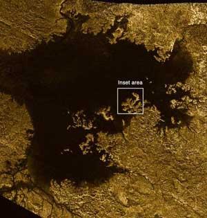 卡西尼号显示土卫六现奇怪图案